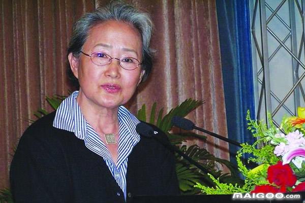 中国现代十大女作家 中国现代女作家排行榜 中国现代十大女作家盘点